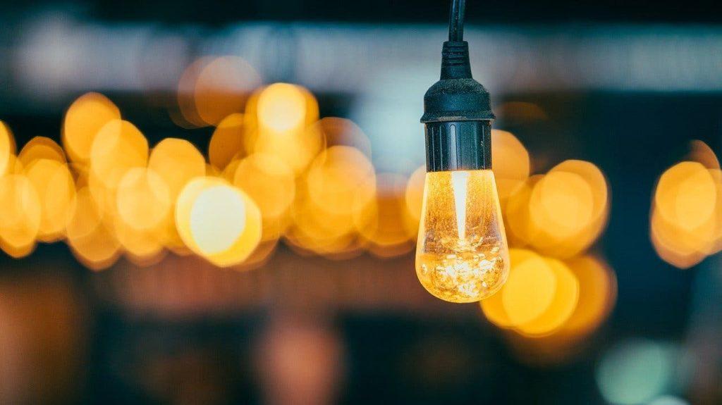 a bunch of lightbulbs